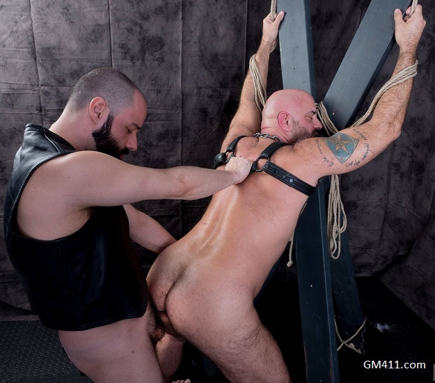 Gay sex - Sam Wyze and John Lock from Hairyandraw