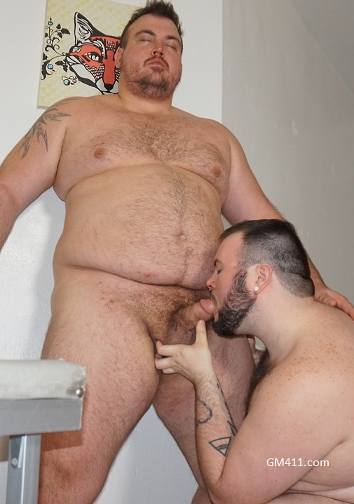Gay sex - Dean Gauge and Hunter Scott cubby rub from Monstercub