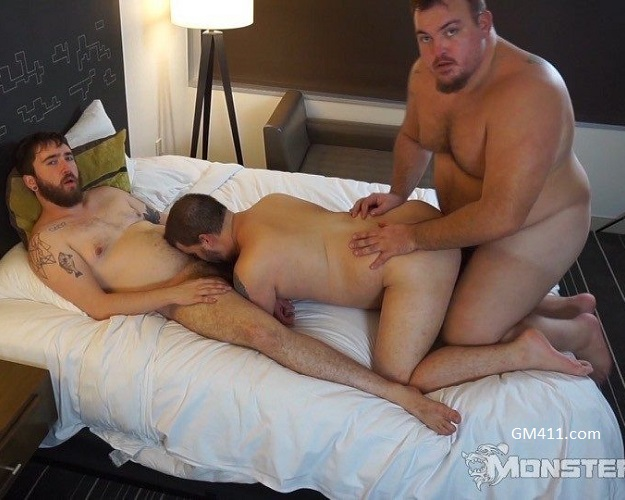 Gay sex - Hunter Scott, Nash Cooper, Pup Dax from Monstercub